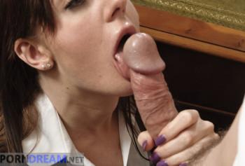 Сексвайф порно фото босс трахает раком на столе сексуальную секретаршу Саманта Бентли в одних лиш чулках photo #2