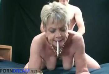 Порно зрілої повії