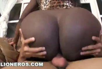 сёкс відео порно африканки з білим хлопцем