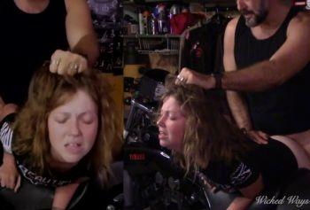 Бородатый байкер трахает молоденькую девушку в жопу