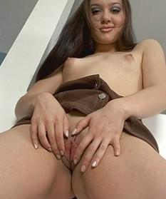 Маленькая грудь - смотреть порно онлайн